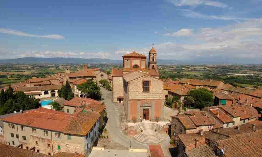 lucignano-la-collegiata-20150410100509-1000-600